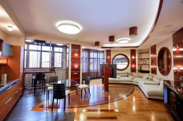 Квартира 3-Комн. Квартира, 145 М², 4/8 Эт. Москва
